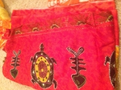 Sarong in red with design